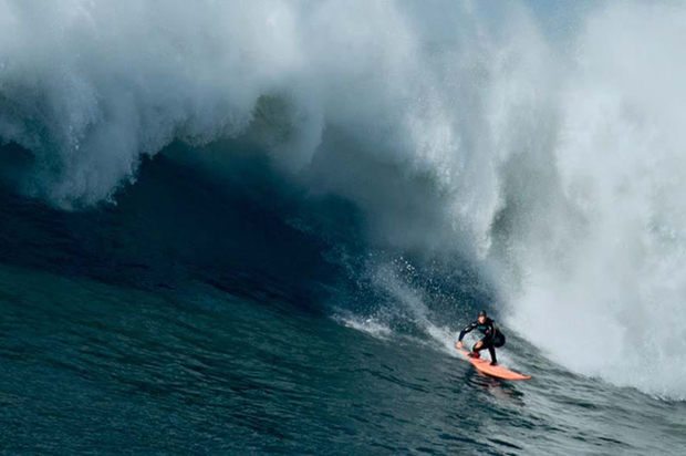 Image 1 for First-ever All-Women Big-Wave contest comes to Waimea Bay