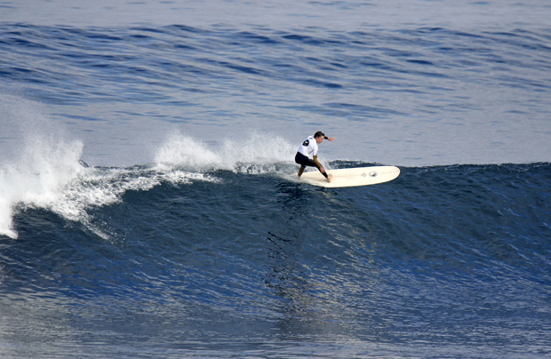 Image 1 for Cracking waves for the Volte Wetsuits WA Longboard Titles – wrap, results & photos