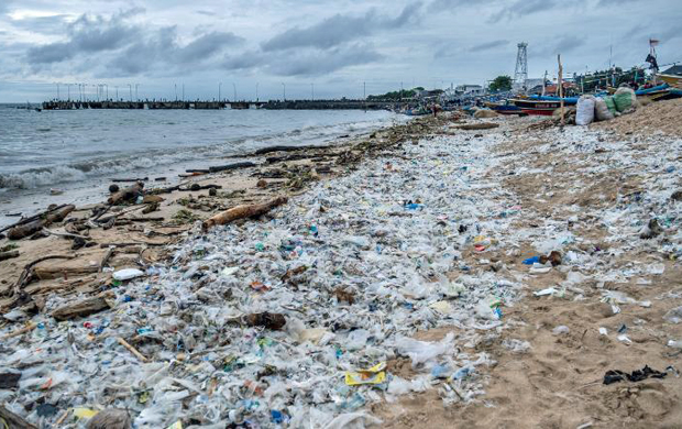 Image 2 for Half of single-use plastic waste produced by just 20 companies
