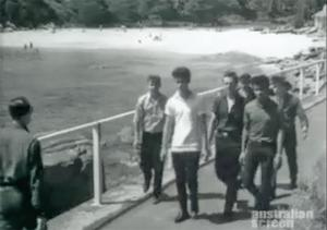 """All Quiet on the Surfie-Rocker Front"" – cinema newsreel from 1963"
