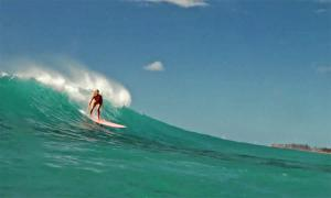 Simpler times in 2019 - Kirra Seale and a rare summer swell on Oahu's North Shore
